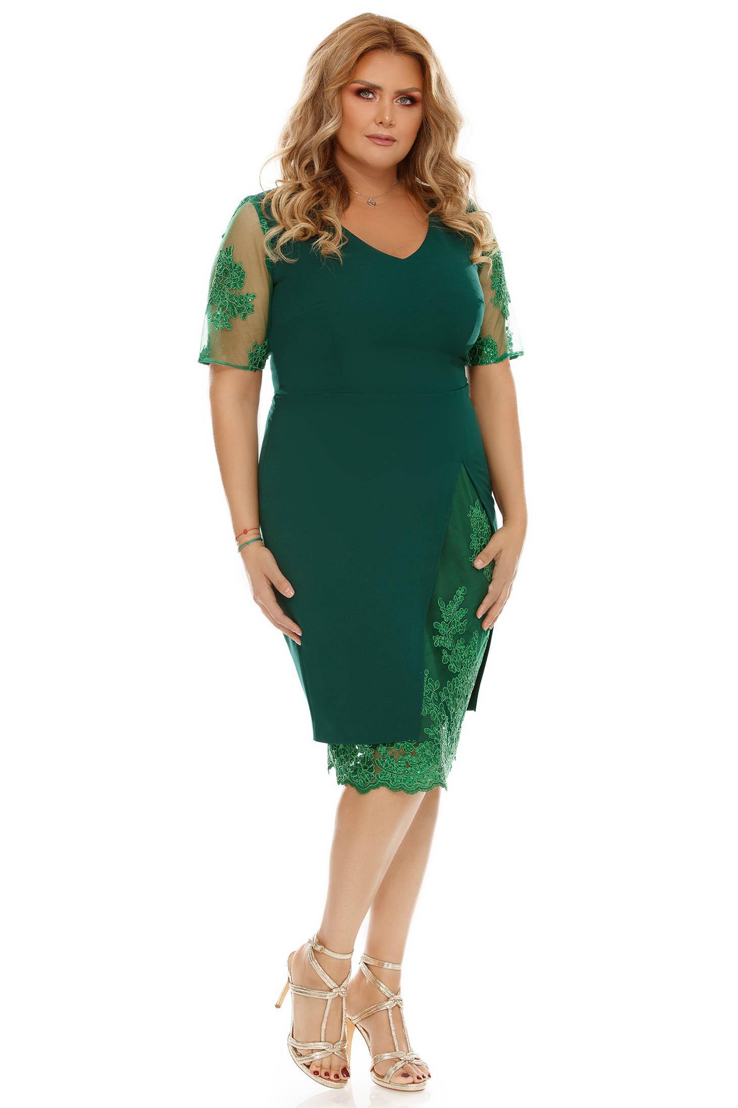 189d0c40e7 Zöld alkalmi ruha szűk szabás csipke díszítéssel enyhén elasztikus szövet