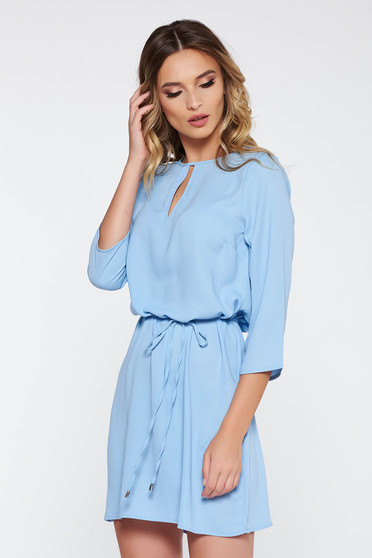 Lightblue casual flared dress nonelastic fabric is fastened around the waist with a ribbon