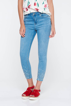 Blue skinny jeans jeans with small beads embellished details with medium waist with pockets cotton