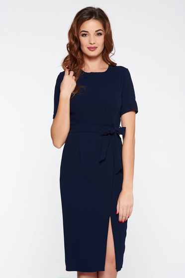 StarShinerS darkblue office dress with tented cut accessorized with tied waistband