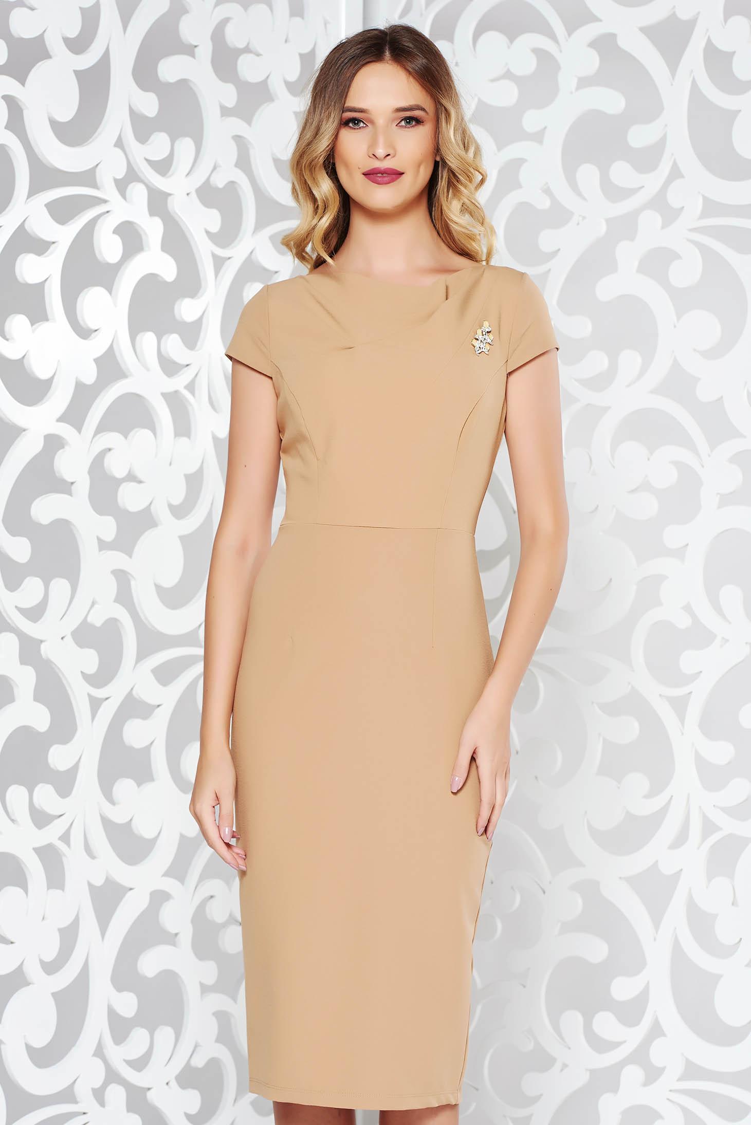 1a622dfedaca StarShinerS cream elegant dress with tented cut slightly elastic fabric ...