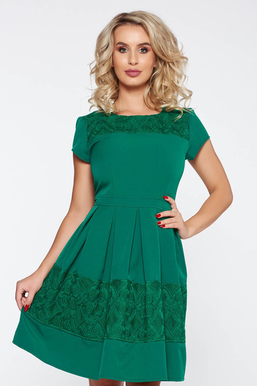 Green elegant cloche dress slightly elastic fabric with lace details