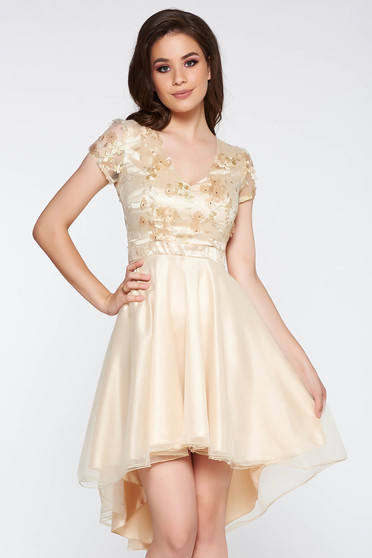 Cream occasional asymmetrical cloche dress with floral details