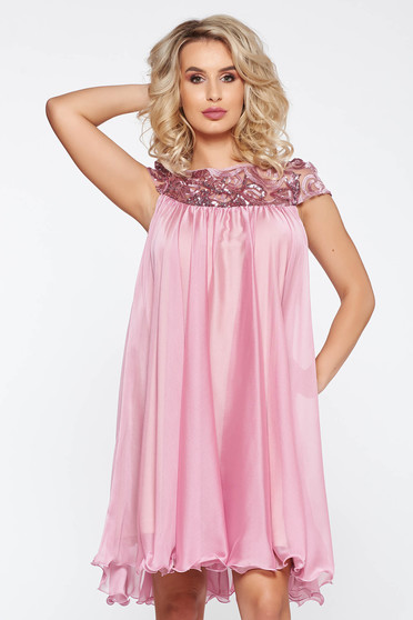 Artista lila occasional with easy cut dress with embroidery details from veil with inside lining
