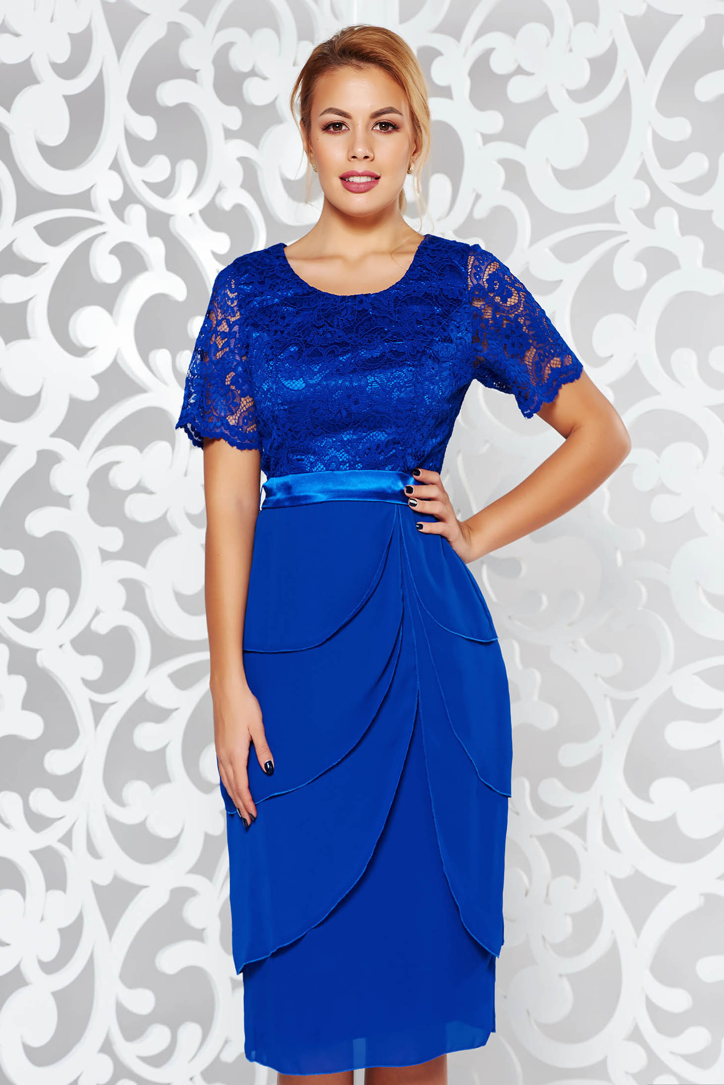 Blue occasional midi dress from laced fabric with ruffle details