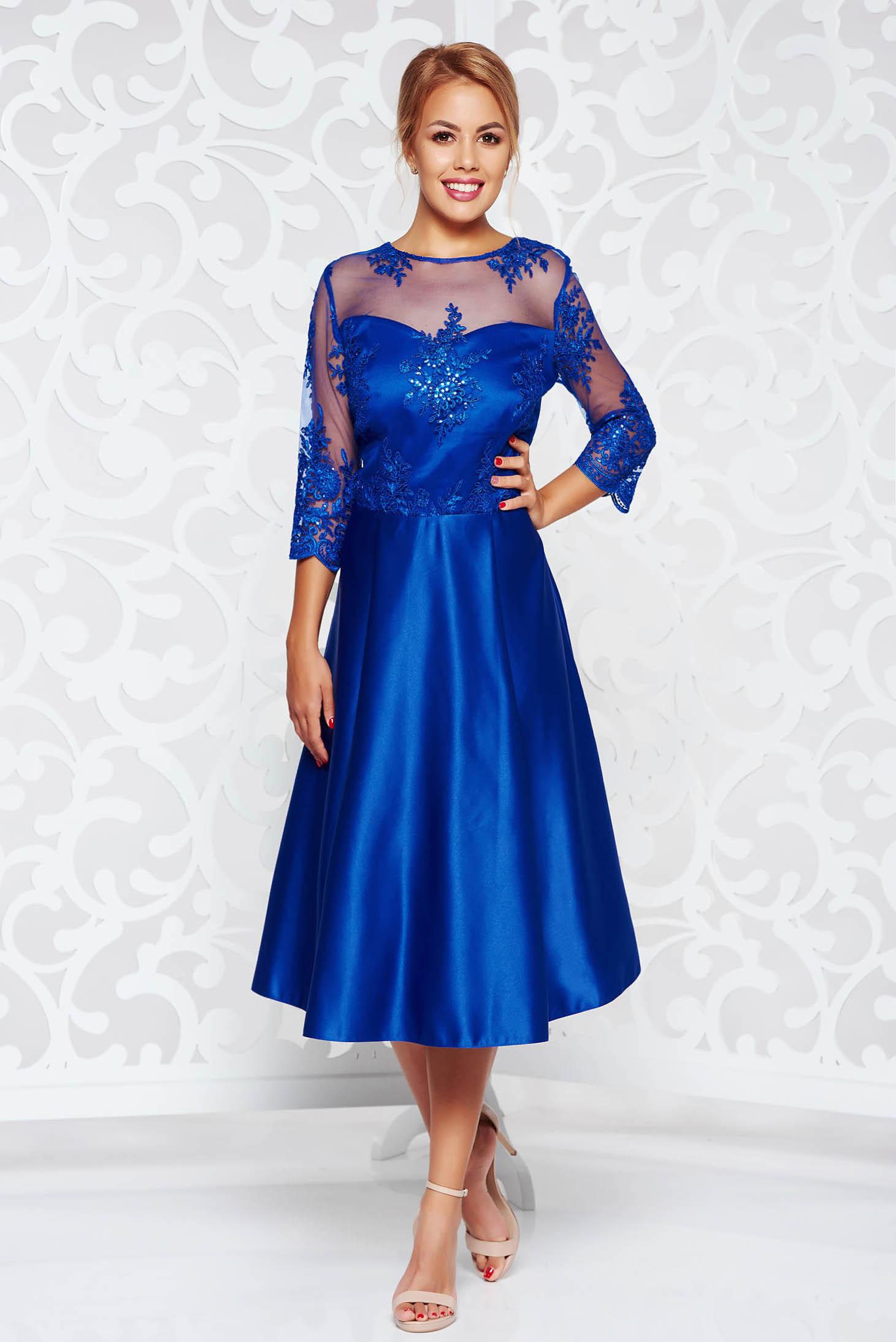 Kék alkalmi harang ruha szatén belső béléssel csipke díszítéssel c952704f5c