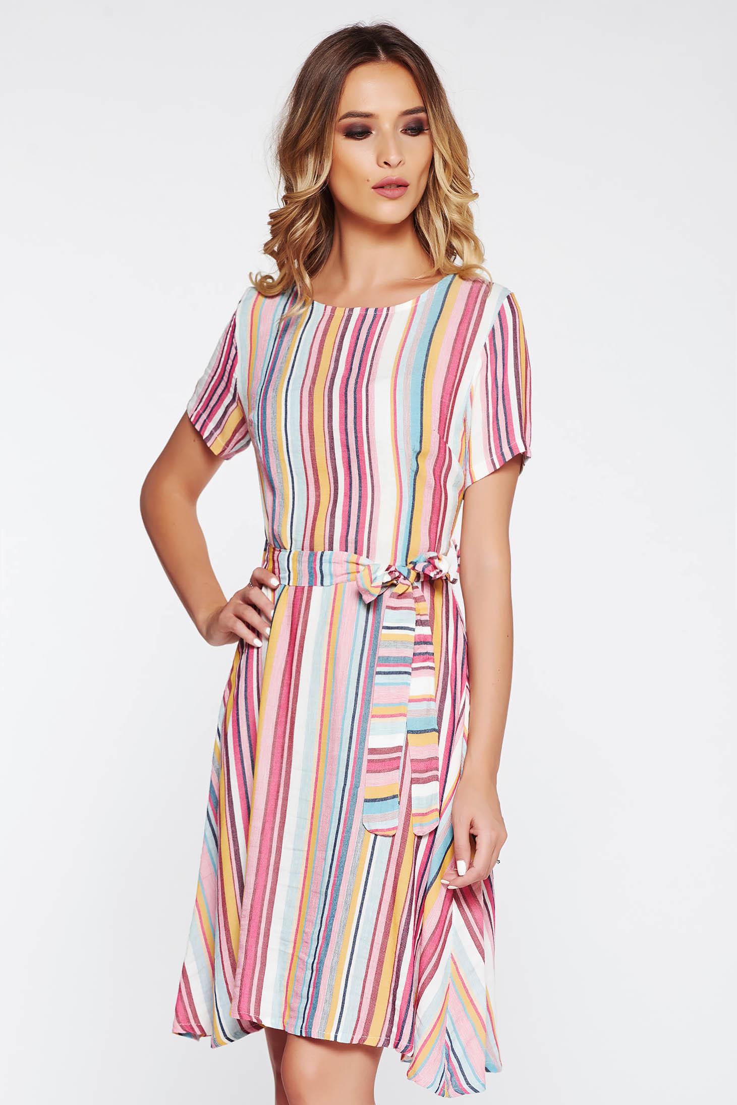 Rózsaszínű SunShine casual harang ruha lenge anyagból övvel ellátva