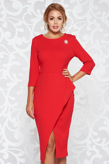 StarShinerS red dress elegant pencil from elastic fabric with frilled waist accessorized with breastpin