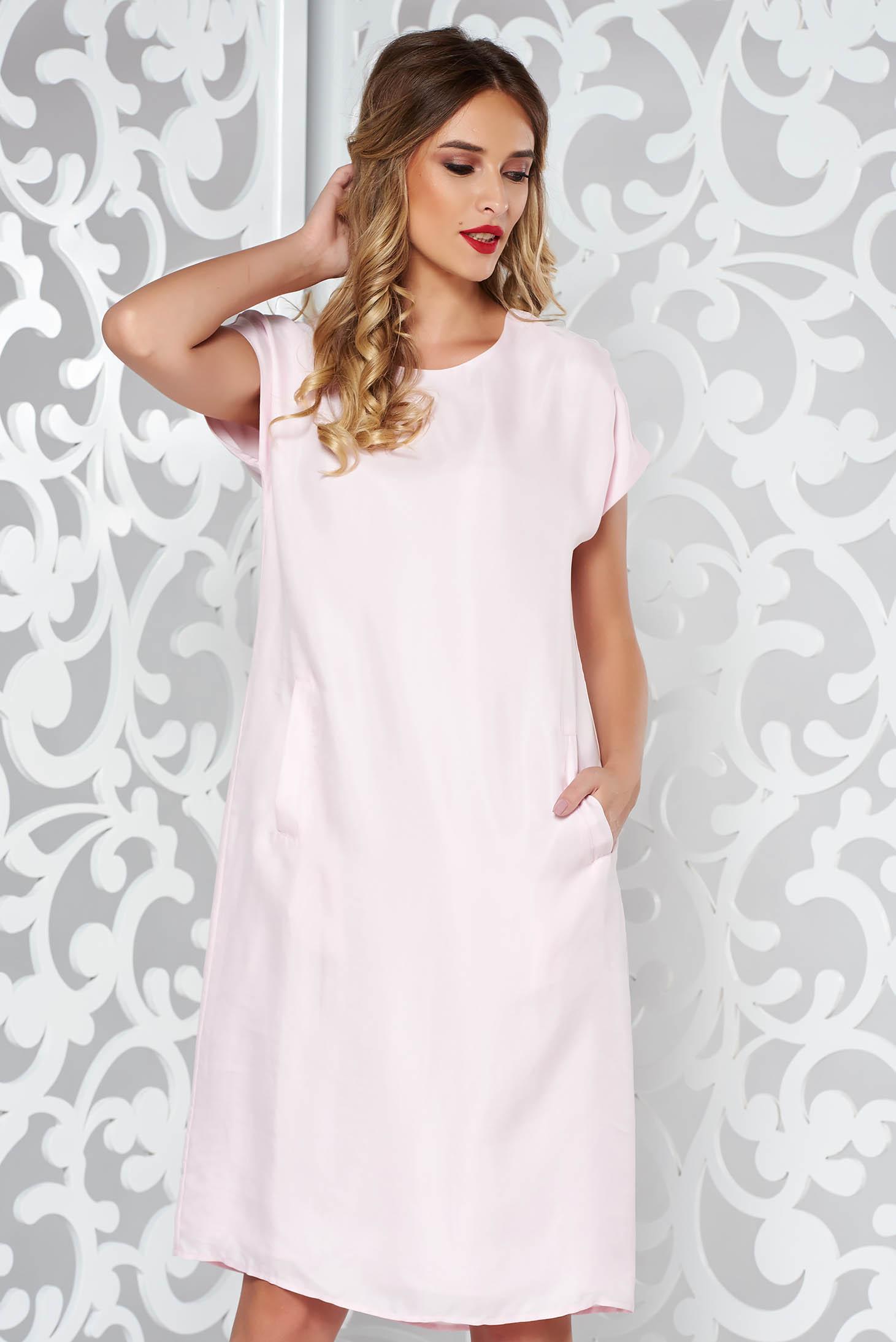 Világos rózsaszín bő szabású ruha finom tapintású anyag belső béléssel e5e7bc3266