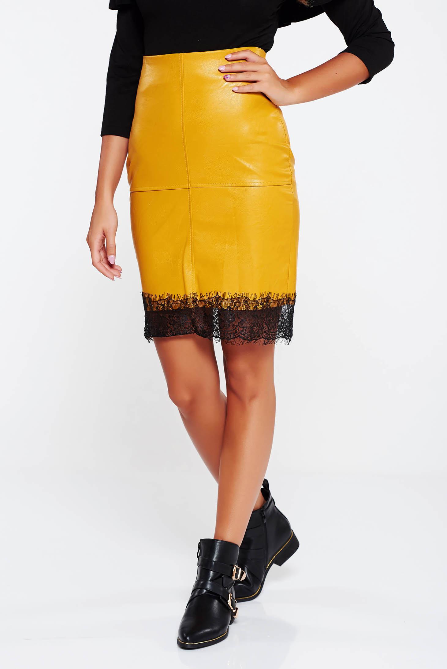 98a29fd207 Mustar SunShine casual magas derekú szoknya műbőr csipke díszítéssel