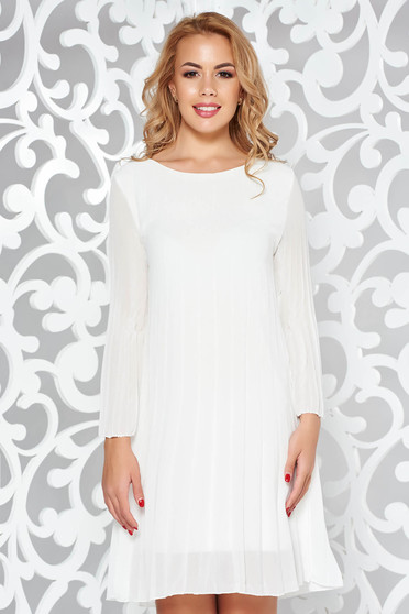 Daily folded up dress with easy cut transparent fabric white