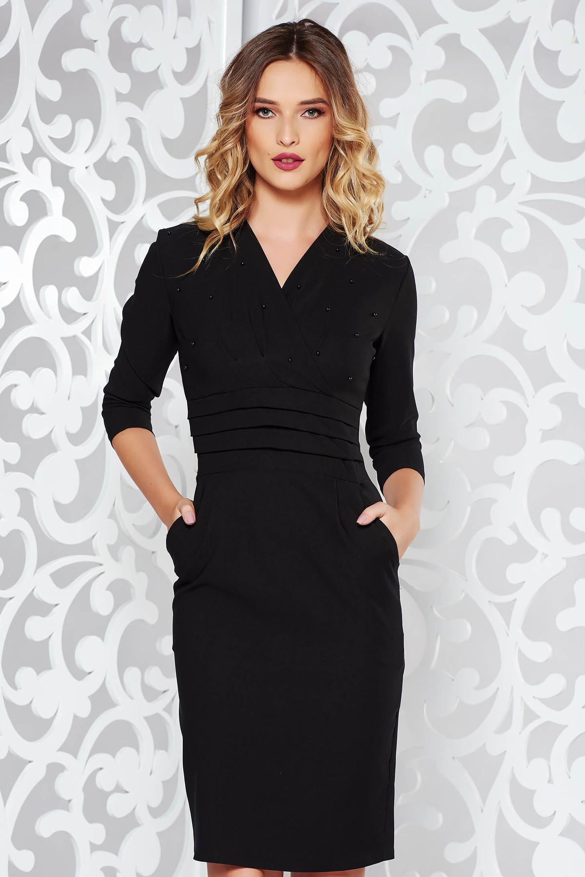 Rochie neagra eleganta tip creion din bumbac usor elastic cu aplicatii cu margele si decolteu in v