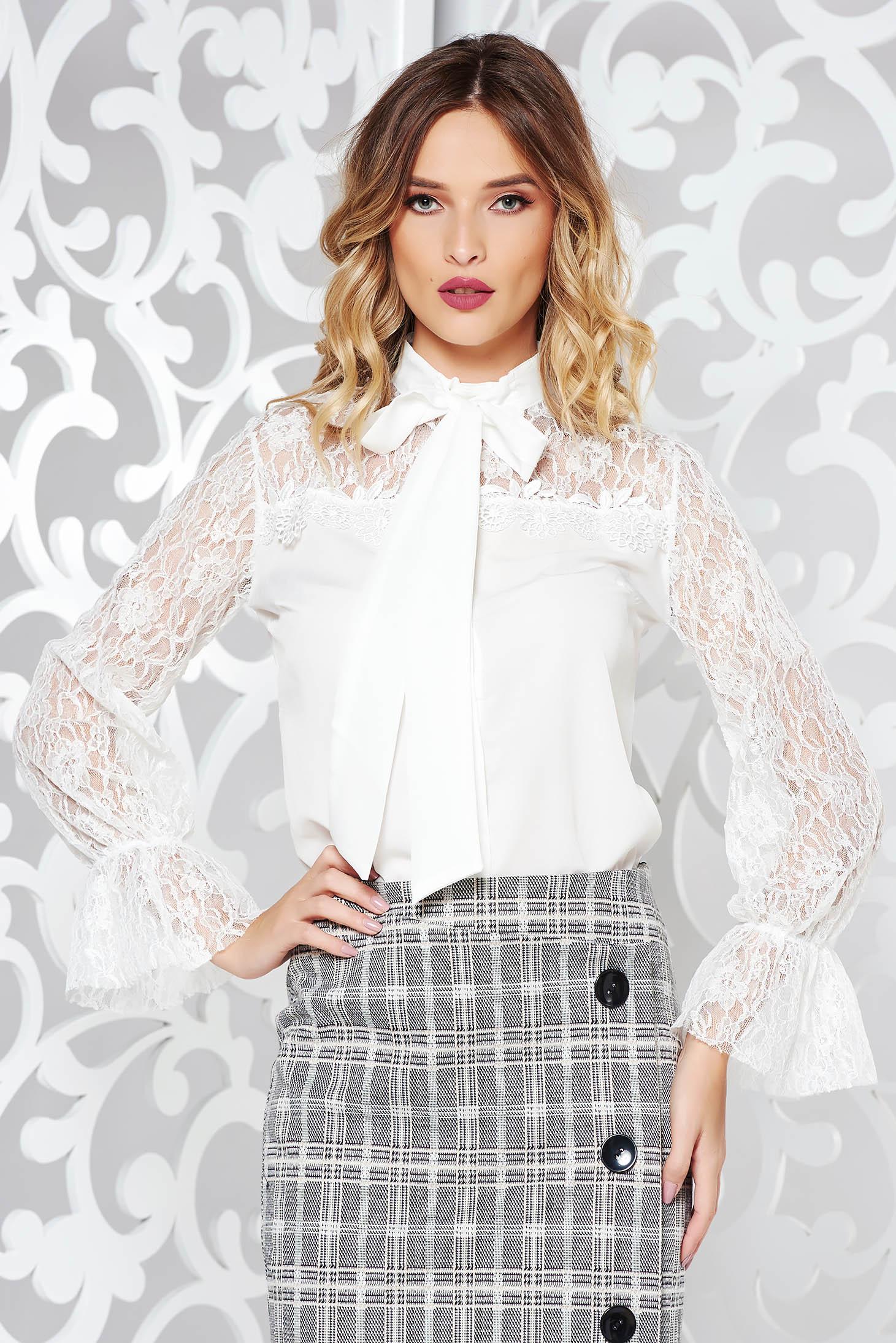 Fehér elegáns bő szabású női ing enyhén áttetsző anyag csipke díszítéssel 0d1c4056d0