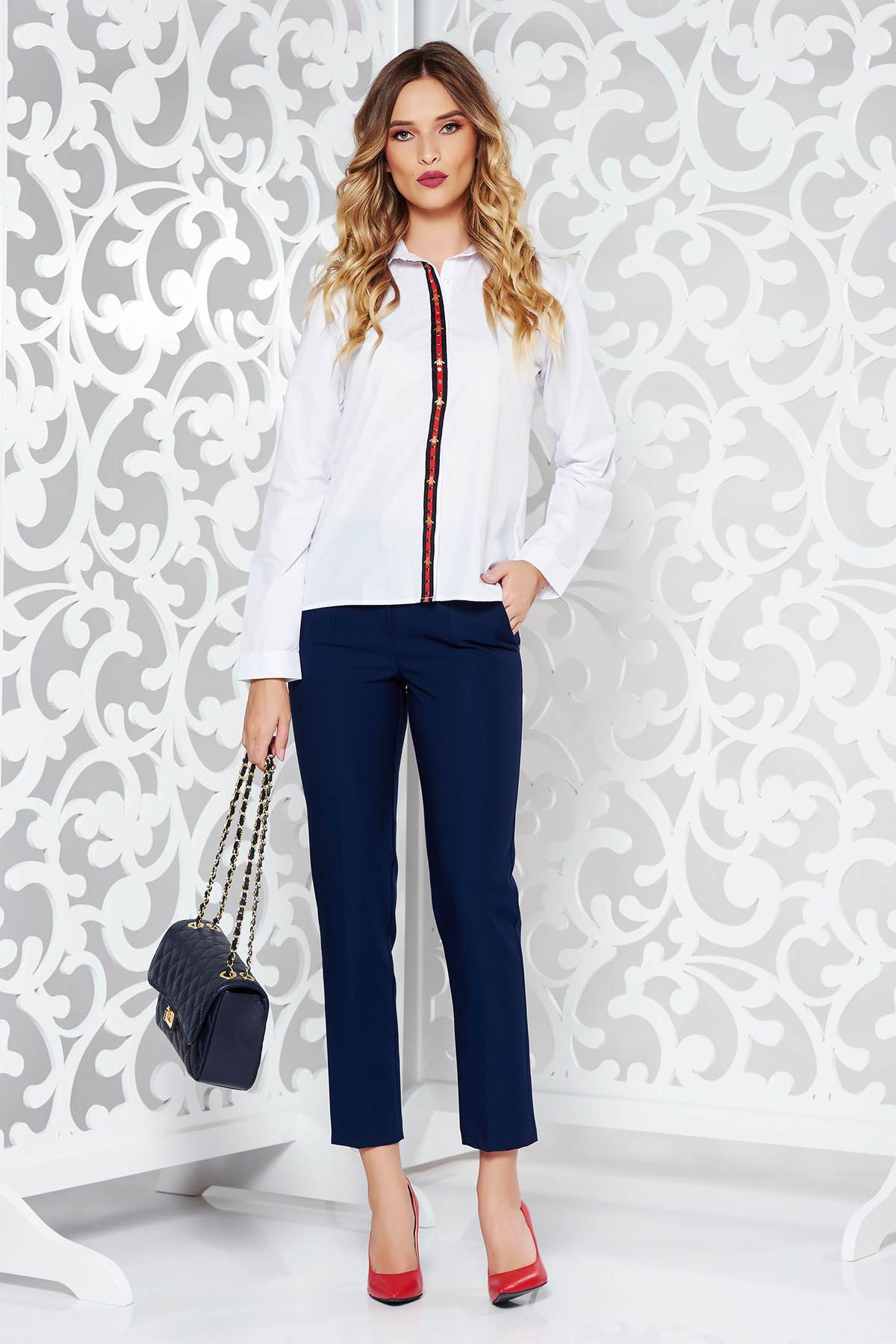 Camasa dama alba office cu croi larg din bumbac usor elastic cu aplicatii metalice