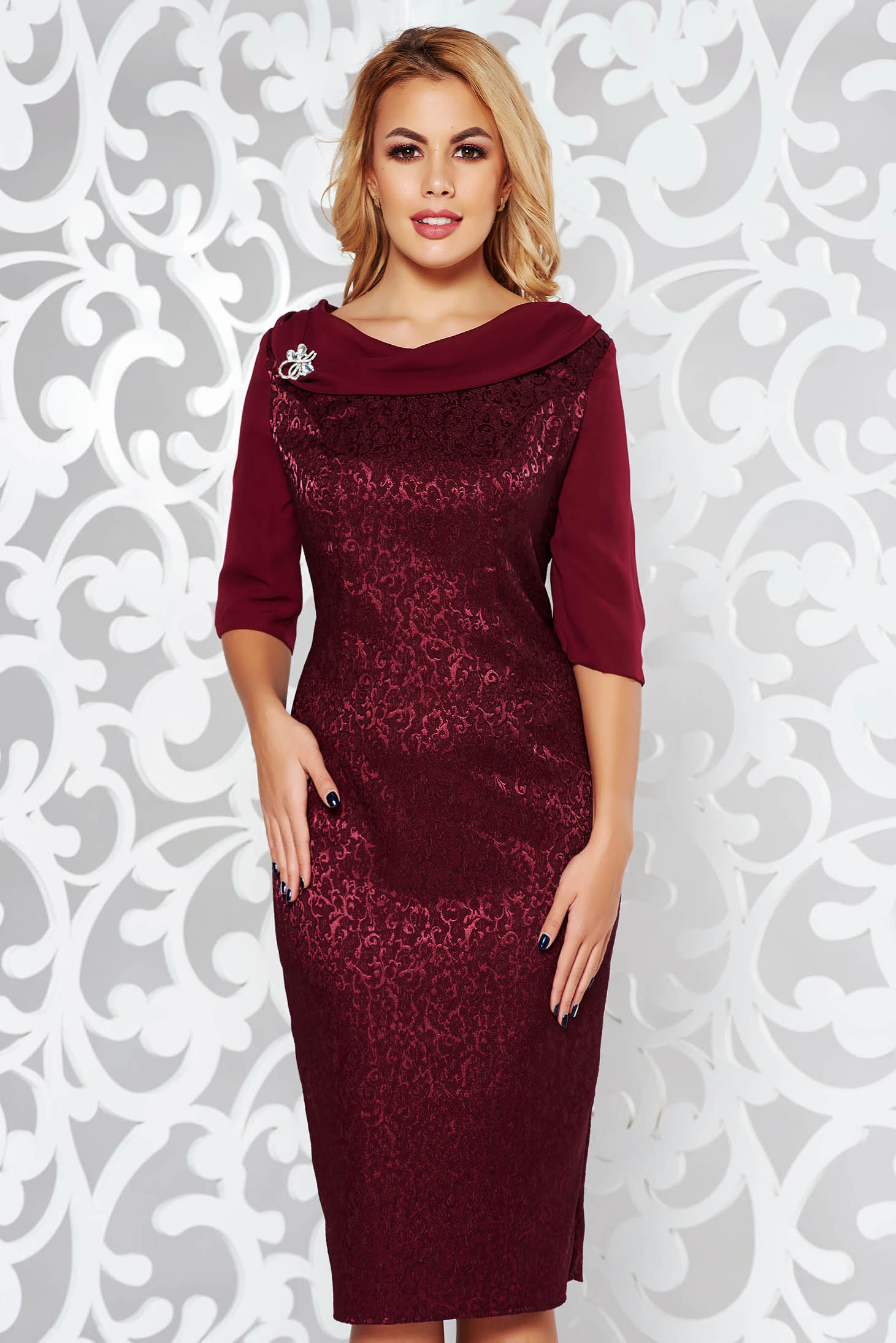 8e68061eb5f90 Burgundy elegant pencil dress slightly elastic fabric raised pattern