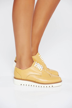 Mustard casual shoes natural leather with lace light sole