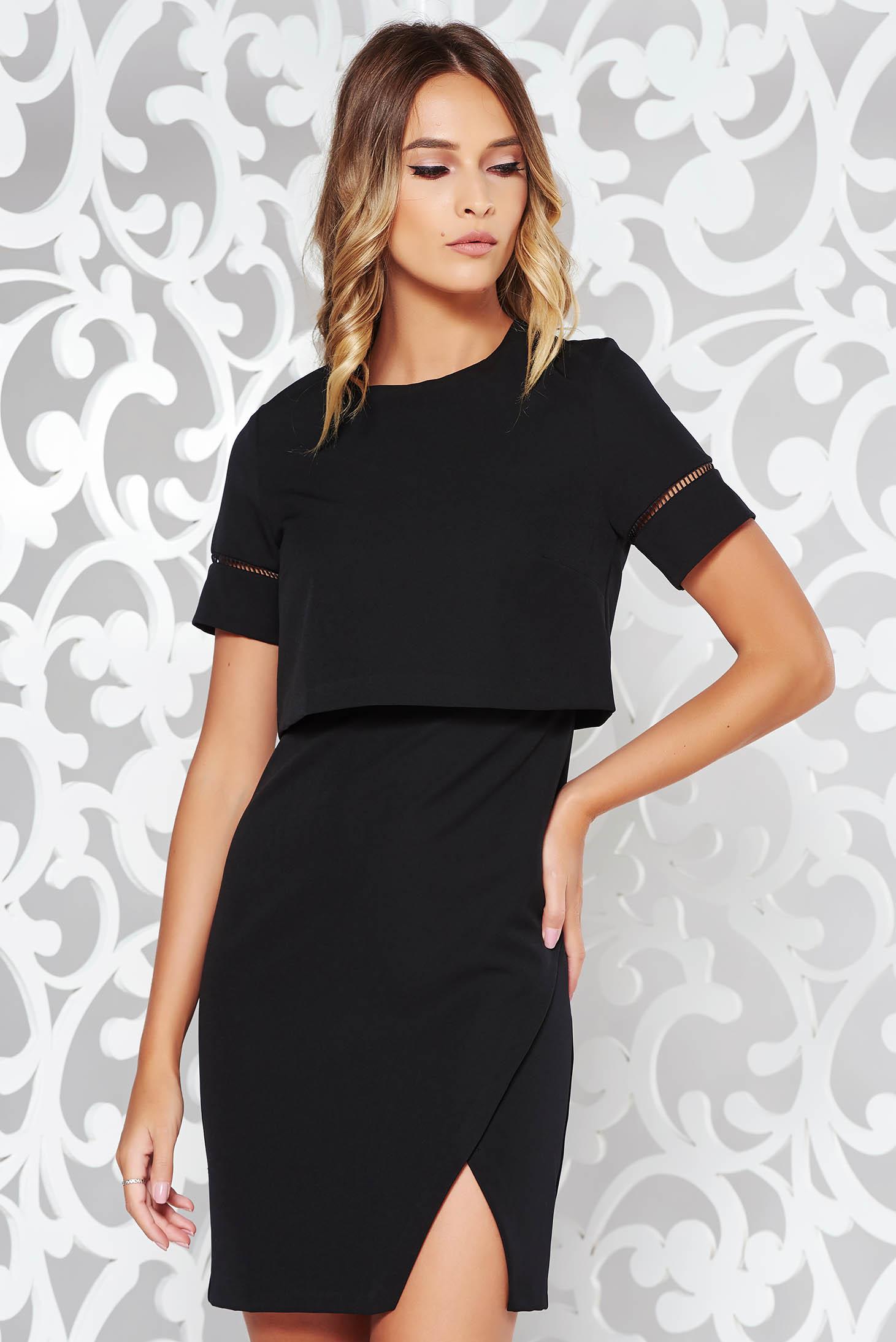 Rochie neagra eleganta cu un croi mulat din material usor elastic captusita pe interior