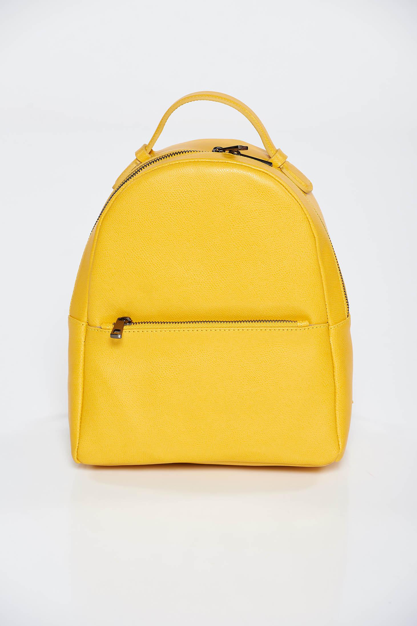 Rucsac galben casual din piele naturala cu bretele ajustabile si fermoare