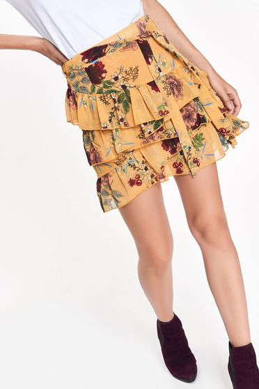 Top Secret yellow skirt casual cloche with medium waist with ruffle details accessorized with tied waistband