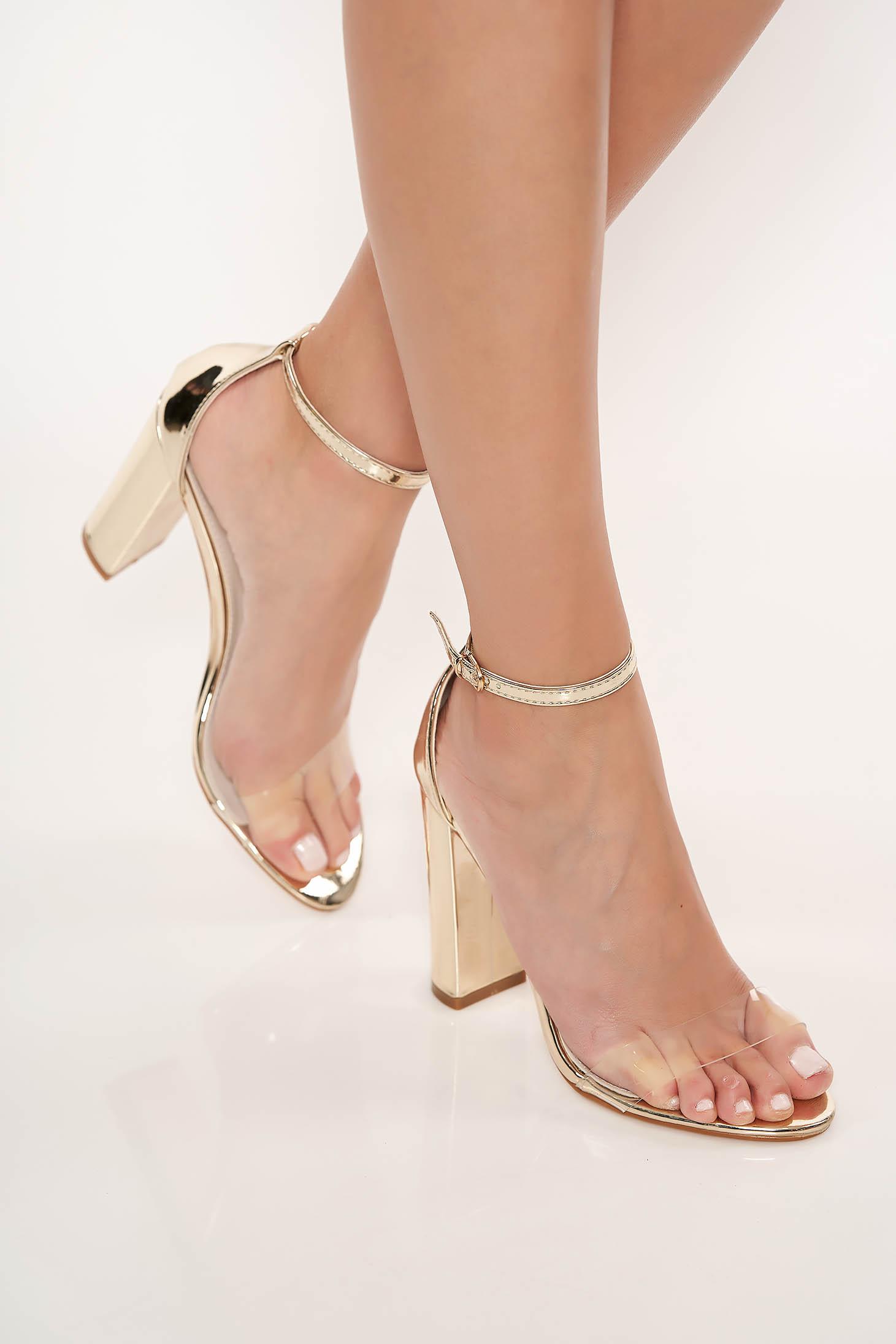 Sandale aurii elegante din piele ecologica cu barete subtiri cu toc gros