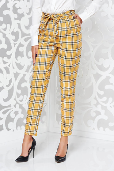 Mustard casual conical trousers with medium waist from non elastic fabric with chequers