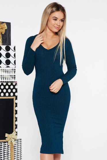 Darkgreen casual dress with tented cut knitted fabric