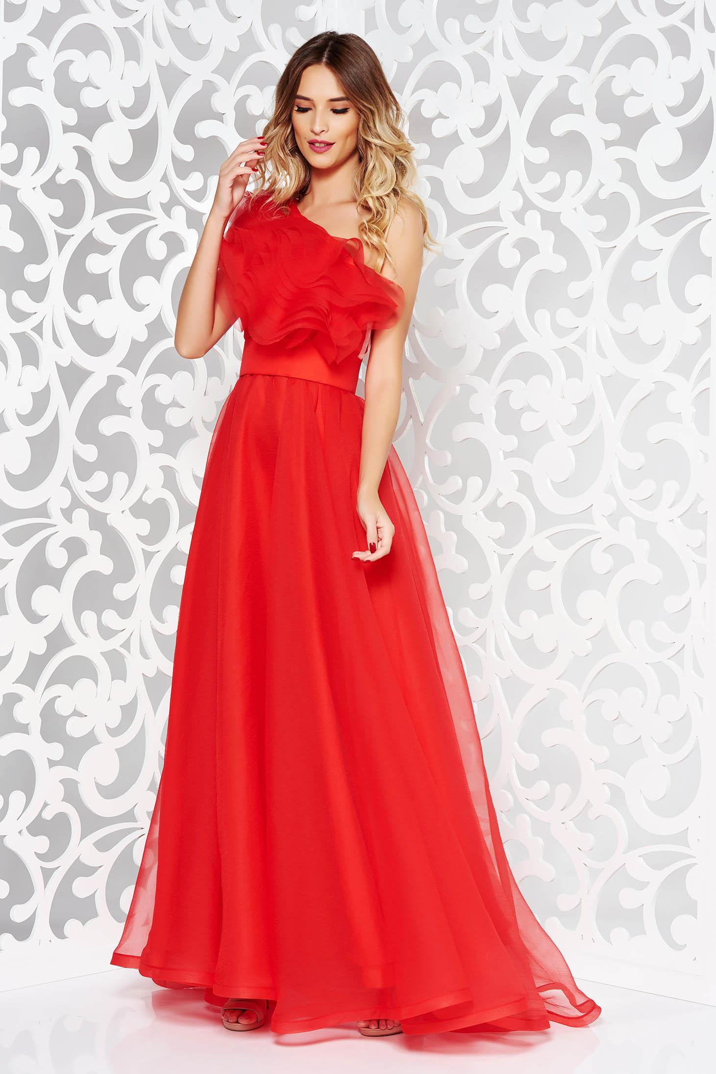 Piros Ana Radu ruha tüll belső béléssel fodrok a mellrészen egy vállas f57ff76db5