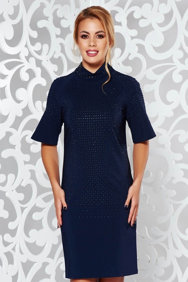 Darkblue occasional short sleeve dress with straight cut with bright details