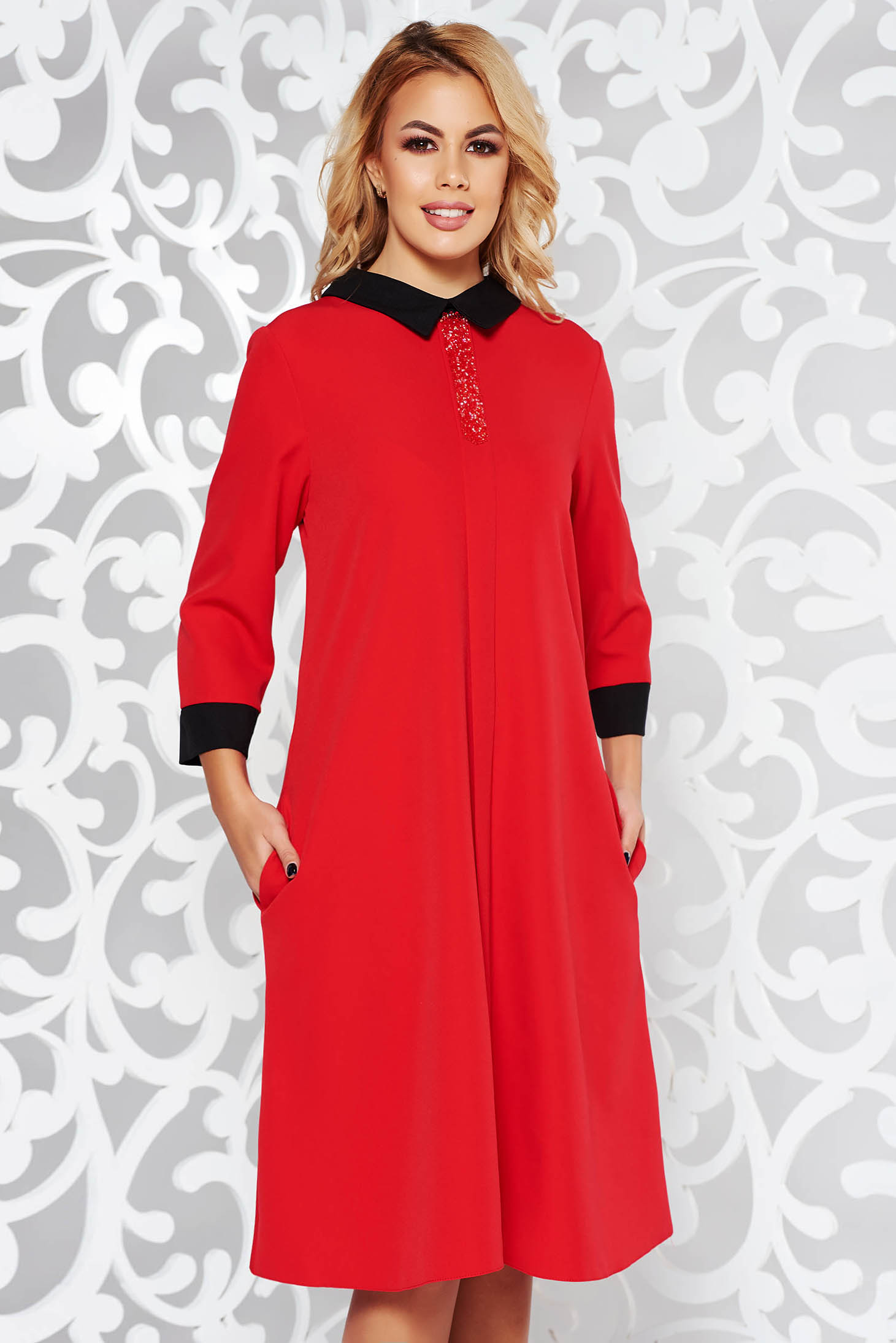 Red dress elegant flared slightly elastic fabric with bright details with pockets