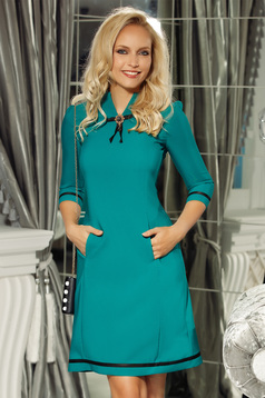 Fofy green elegant a-line 3/4 sleeve dress accessorized with breastpin