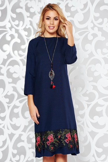 Darkblue dress elegant flared slightly elastic fabric with lace details accessorized with chain