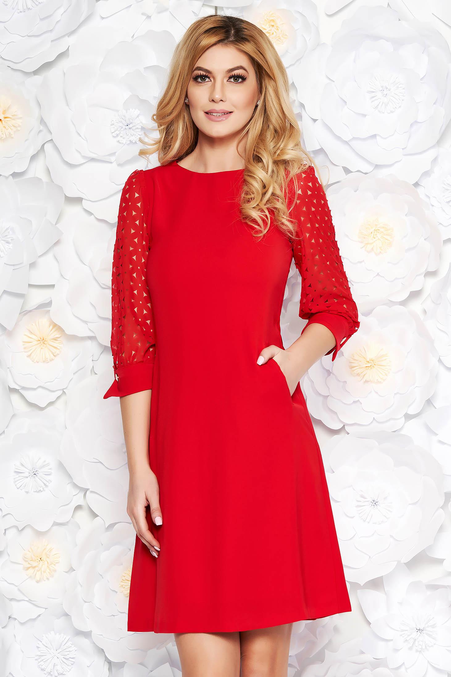 Rochie rosie eleganta cu croi in A din material neelastic captusita pe interior cu buzunare