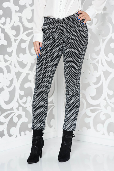 PrettyGirl black trousers office conical from elastic fabric with pockets with medium waist