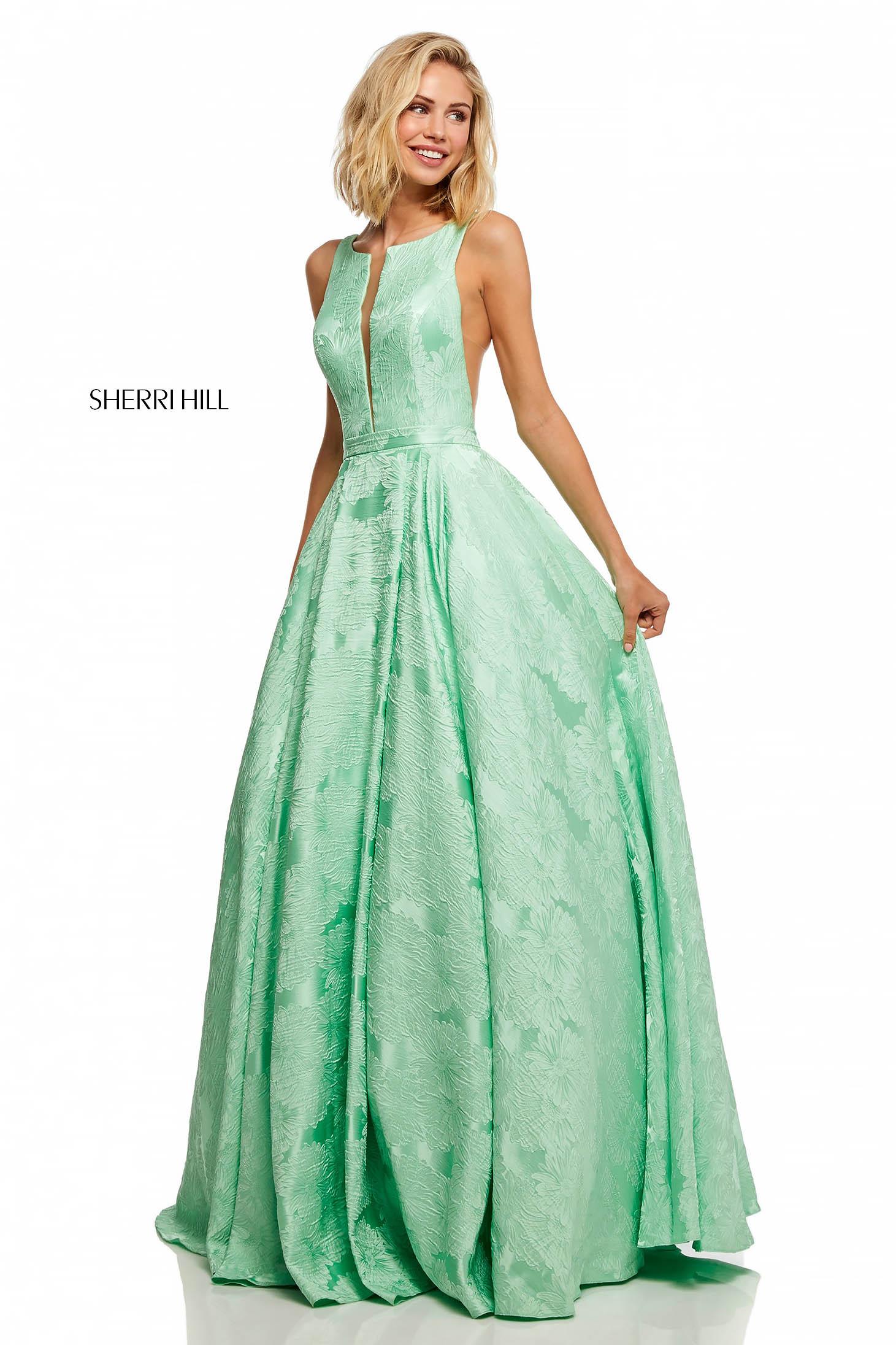 Rochie Sherri Hill verde de lux lunga in clos cu spatele gol