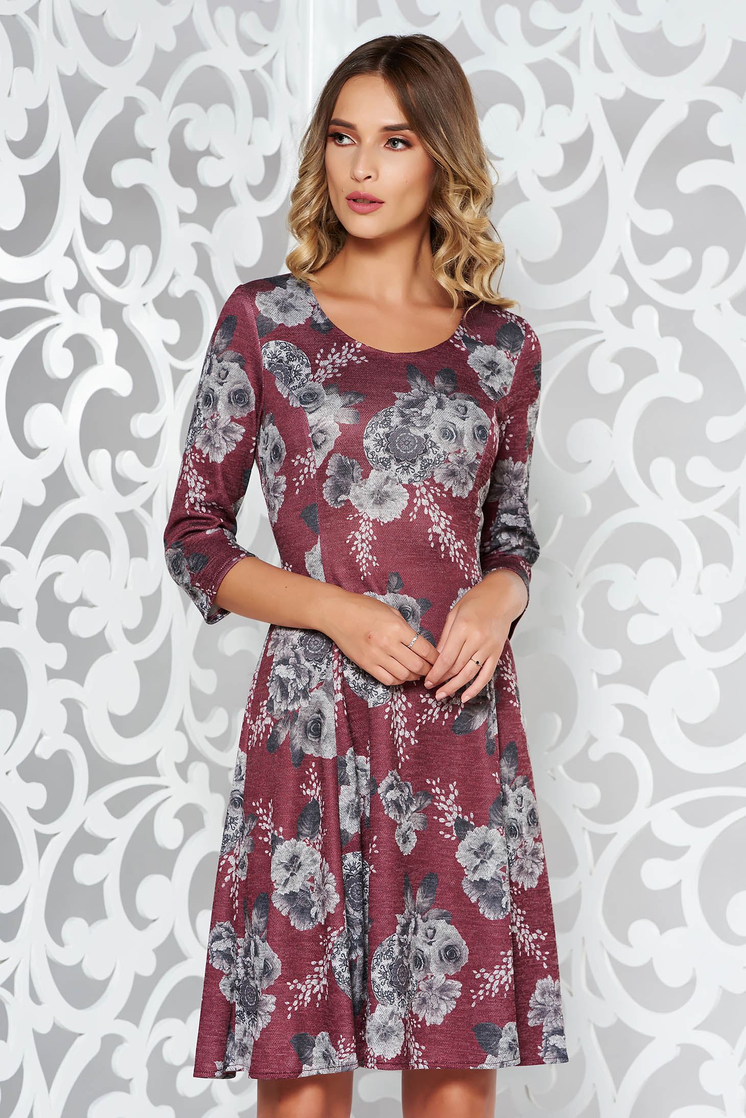 Rochie visinie de zi midi in clos din material moale tricotata cu print
