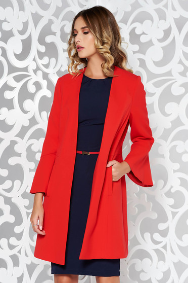 Red elegant coat soft fabric with inside lining with pockets with 3/4 sleeves