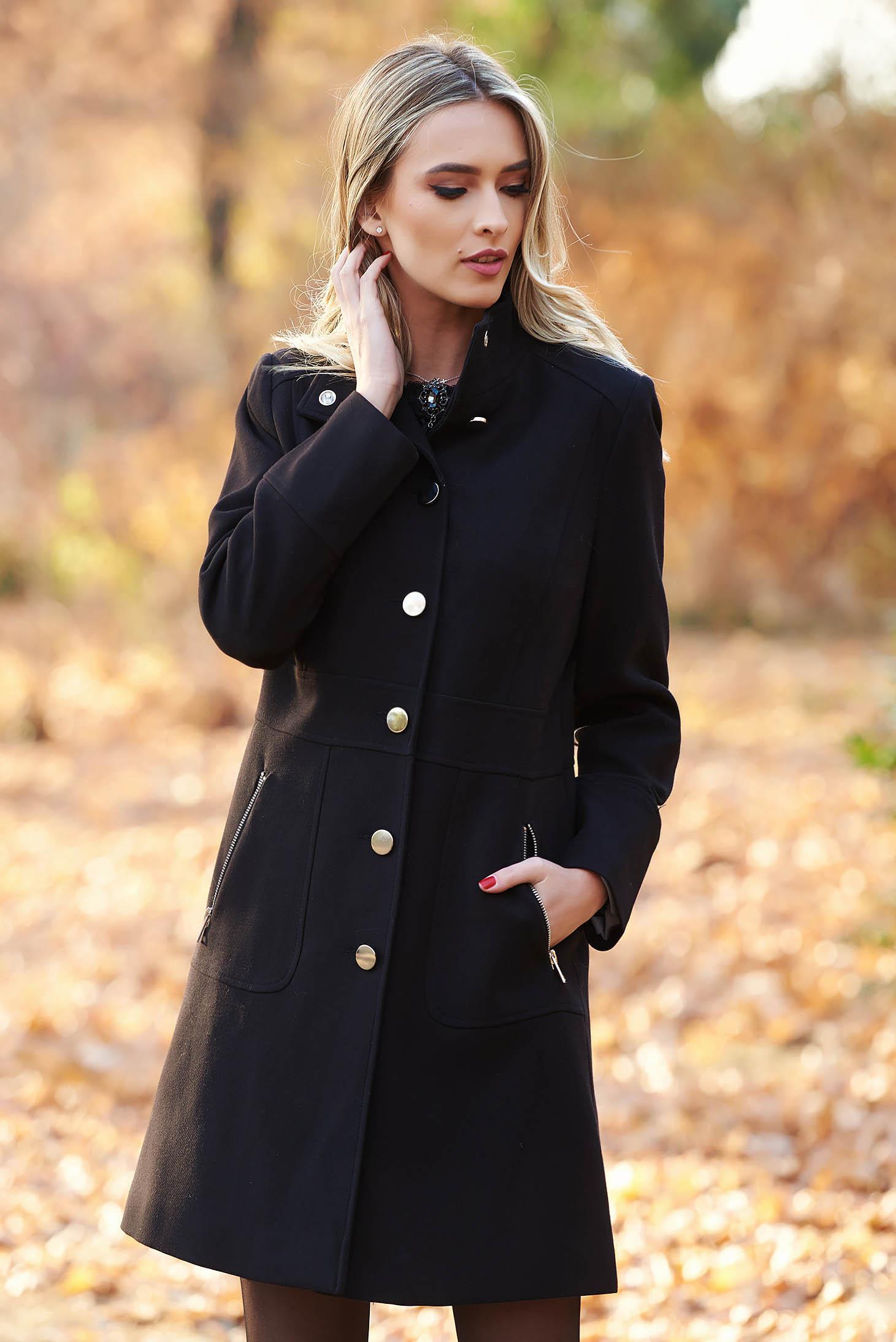 Palton negru basic din stofa usor elastica captusit pe interior cu buzunare