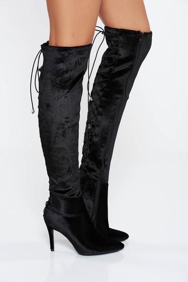 Black boots from velvet fabric slightly pointed toe tip