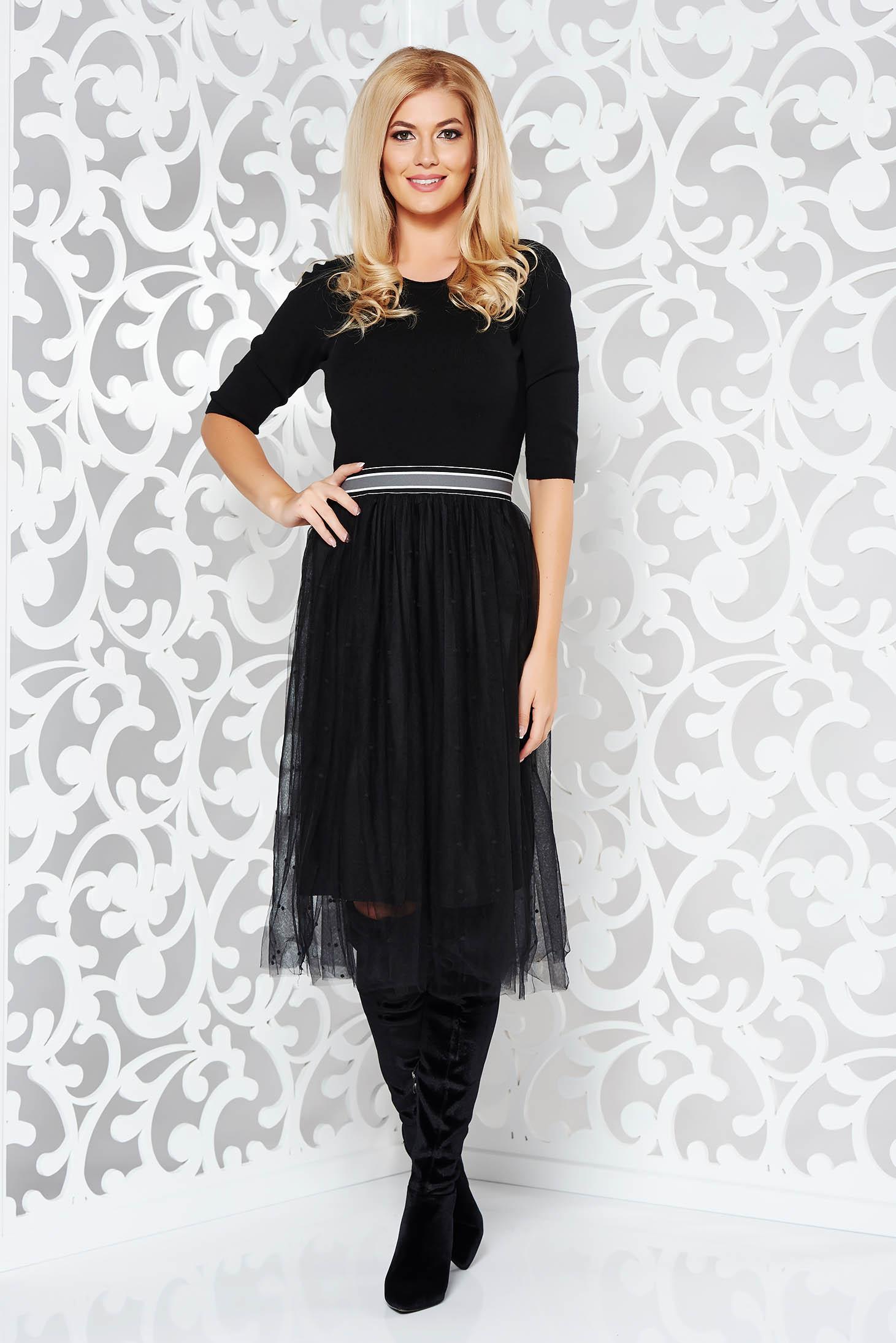 Rochie StarShinerS neagra de zi in clos din material tricotat cu tul cu elastic in talie