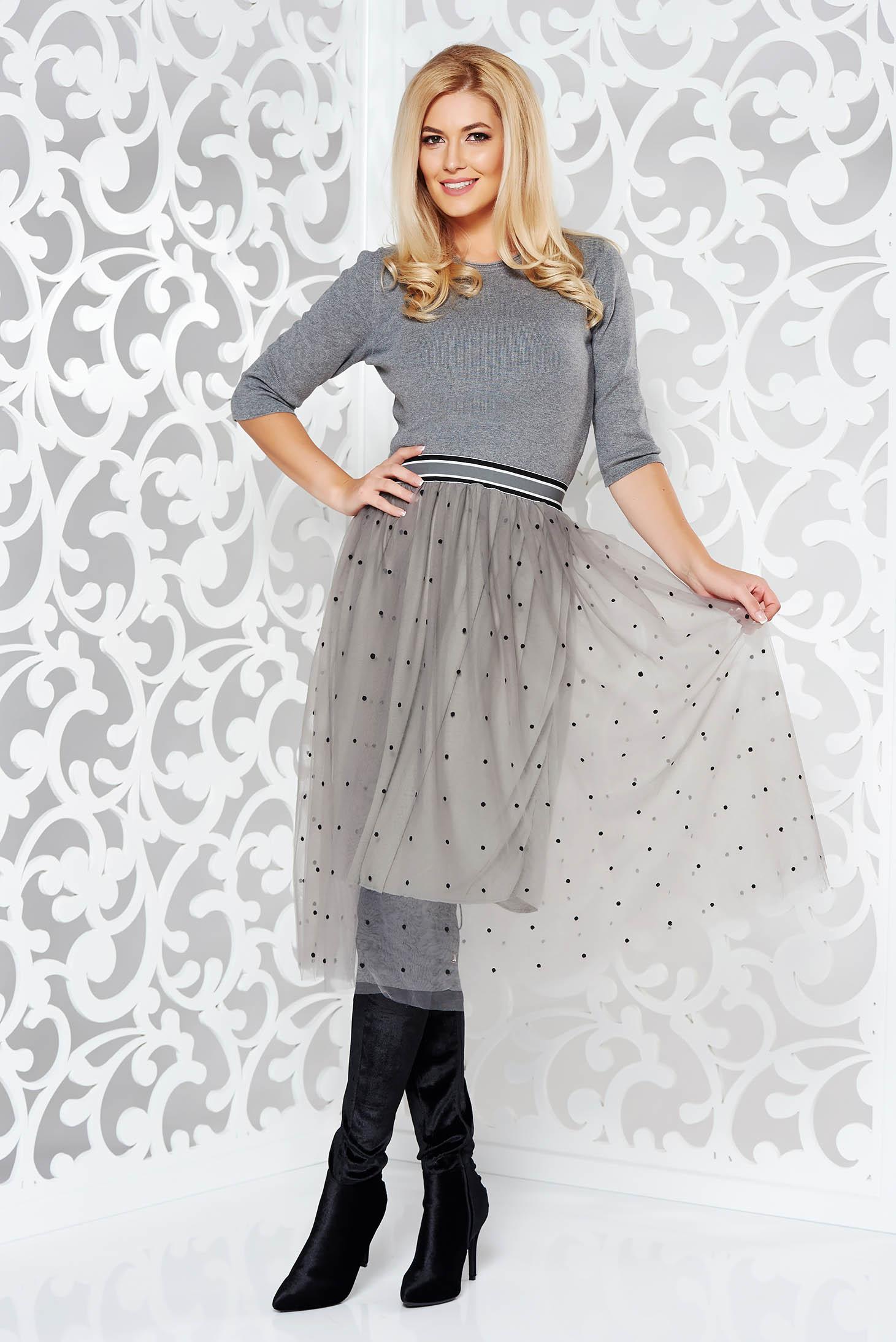 Rochie StarShinerS gri de zi in clos din material tricotat cu tul cu elastic in talie