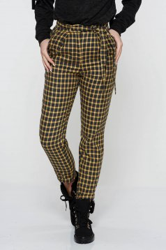 StarShinerS mustard trousers casual conical from non elastic fabric with pockets accessorized with tied waistband high waisted