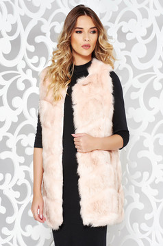 Lightpink from ecological fur gilet with inside lining with easy cut