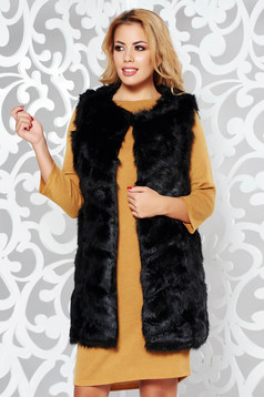 Black from ecological fur gilet with inside lining with easy cut