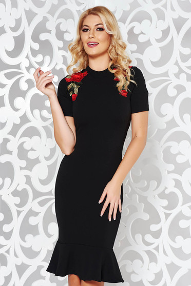 StarShinerS black daily pencil dress with embroidery details with ruffles at the buttom of the dress