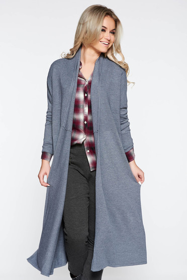 Grey long cardigan with easy cut long sleeved knitted fabric