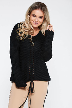 Black casual sweater with easy cut with v-neckline knitted fabric