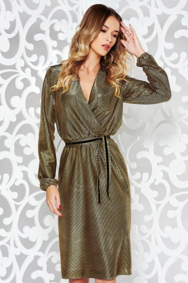 StarShinerS gold occasional cloche dress with v-neckline with elastic waist accessorized with tied waistband