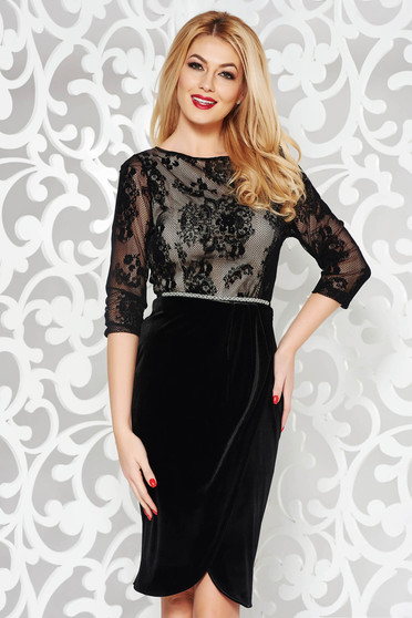 StarShinerS black occasional dress from velvet with inside lining accessorized with tied waistband with tented cut