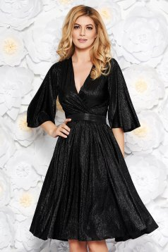 StarShinerS black occasional cloche dress from shiny fabric with inside lining with v-neckline