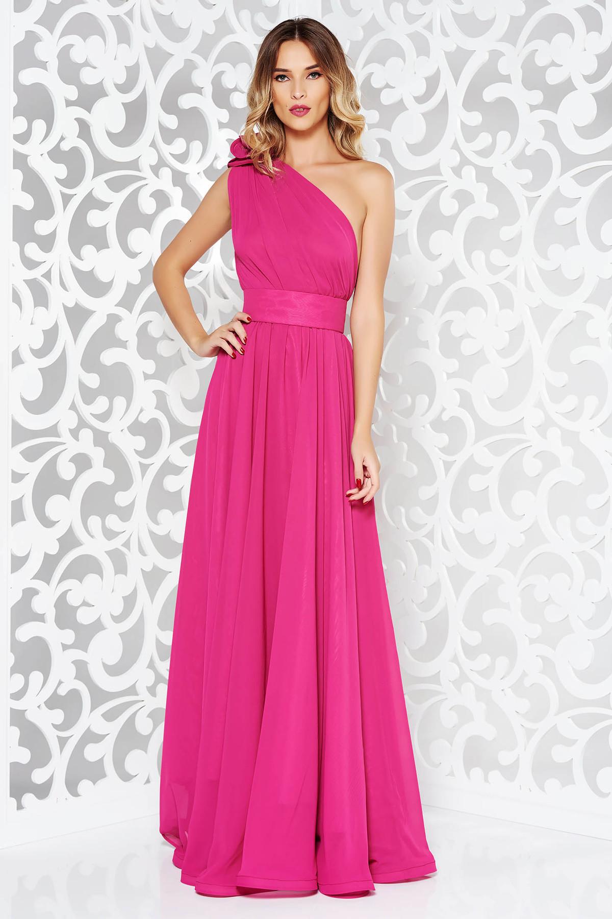 Rochie Ana Radu roz de lux lunga in clos din voal captusita pe interior accesorizata cu cordon